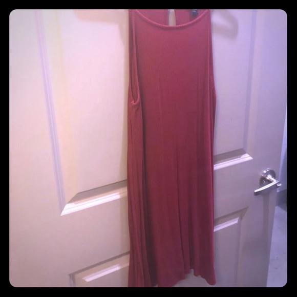 Forever 21 Dresses & Skirts - Red Flowy Sundress, size S